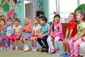 mode de garde d'enfant creche