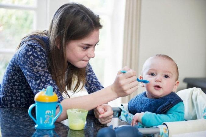 Le baby sitter : la personne idéale pour garder vos enfants ?