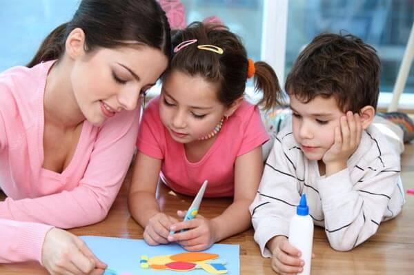 Faire garder son enfant ou s'en occuper soi-même?